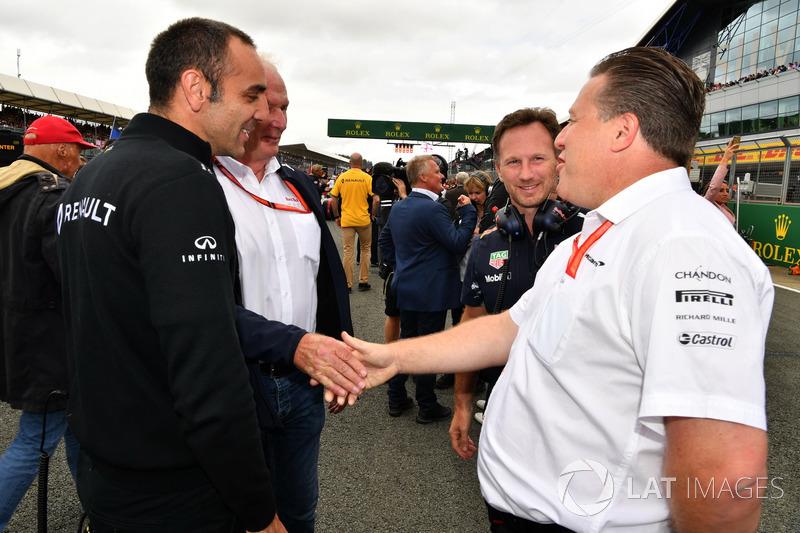 Cyril Abiteboul, Managing Director de Renault Sport F1, Dr. Helmut Marko, Red Bull Motorsport consultor, Christian Horner, jefe de equipo de carreras de Red Bull y Zak Brown, Director Ejecutivo de McLaren