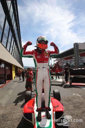 Il vincitore di Gara 1 Marcus Armstrong, Prema Powerteam