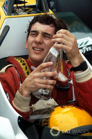 Ayrton Senna, recovers from his first F1 test in the Williams FW08C