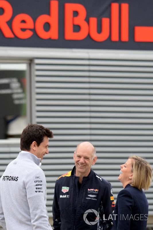 Tott, Adrian Newey, Red Bull Racing y Susie Wolff