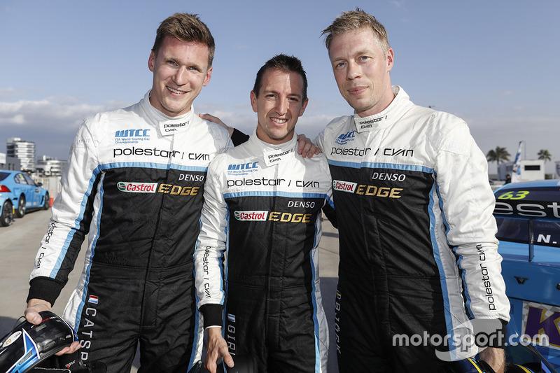 Nicky Catsburg, Thed Björk, Nestor Girolami, Polestar Cyan Racing, Volvo S60 Polestar después de la calificación MAC3