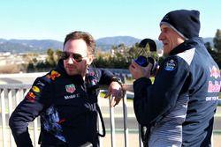 Руководитель Red Bull Racing Кристиан Хорнер и руководитель команды Scuderia Toro Rosso Франц Тост
