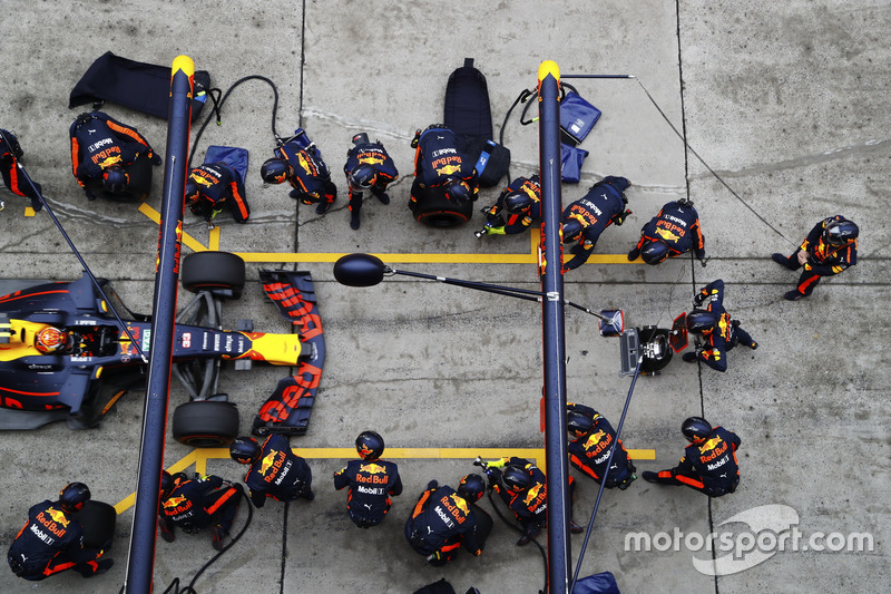 Max Verstappen, Red Bull Racing RB13, Boxenstopp