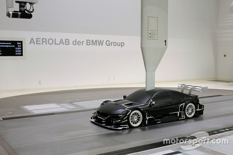 BMW M4 DTM in de windtunnel