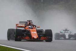 Fernando Alonso, McLaren MCL32, avec le Halo