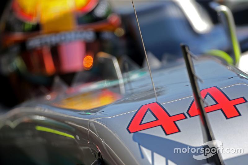 Jueves:  Lewis Hamilton, Mercedes AMG F1 W08