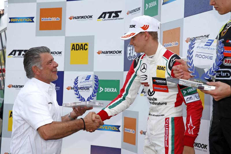 Podium novatos: Mick Schumacher, Prema Powerteam, Dallara F317 - Mercedes-Benz