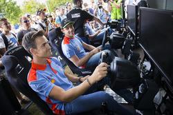 Пилоты Hyundai Motorsport Дани Сордо, Тьерри Невилль и Хейден Пэддон