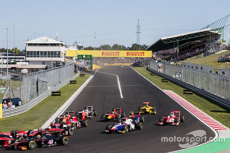 Sergio Canamasas, Rapax, Santino Ferrucci, Trident, Charles Leclerc, PREMA Powerteam at the start of the race