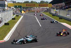 Valtteri Bottas, Mercedes AMG F1 W08, Max Verstappen, Red Bull Racing RB13, Lewis Hamilton, Mercedes