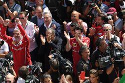 Маурицио Арривабене, руководитель команды Ferrari, Серджио Маркионне, глава FIAT, Маттиа Бинотто, технический директор Ferrari