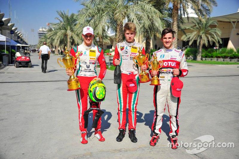 Race winner Mick Schumacher, second place Jüri Vips, third place Pedro Cardoso