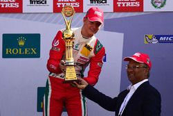 Ganador de la carrrera Mick Schumacher