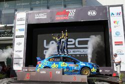 Podium 1er Australiano: Molly Taylor, Bill Hayes, Subaru Impreza WRX STI