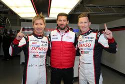 Ganadores de la pole #7 Toyota Gazoo Racing Toyota TS050 Hybrid: Mike Conway, Kamui Kobayashi, Jose Maria Lopez