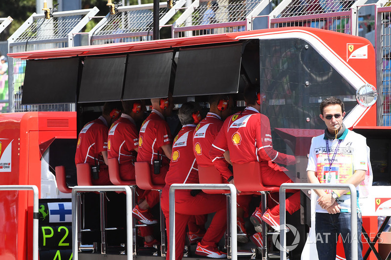 Ferrari pit duvarı