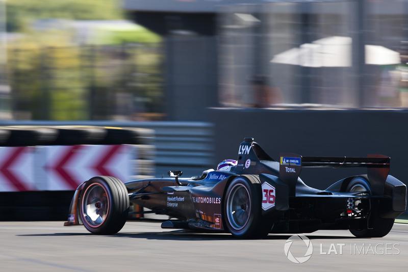 "№36. <img src=""https://cdn-7.motorsport.com/static/img/cfp/0/0/0/200/227/s3/united_kingdom-2.jpg"" alt="""" width=""20"" height=""12"" />Алекс Линн, DS Virgin Racing"