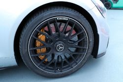 Safety car brakes and front wheel