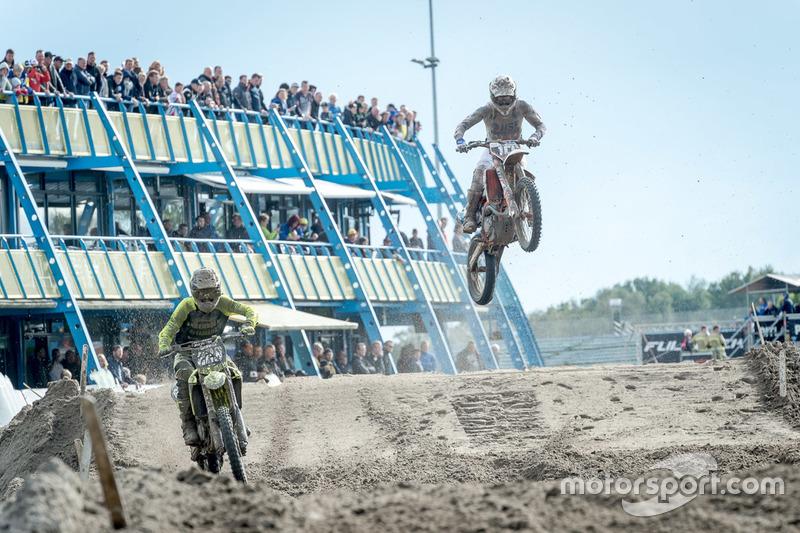MX2: Calvin Vlaanderen, KTM y Kay Ebben, Yamaha