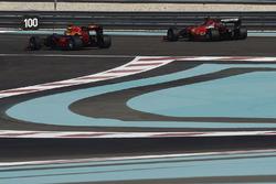 Тесты шин Pirelli 2017 года: Кими Райкконен, Ferrari, и Даниэль Риккардо, Red Bull Racing