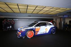 Hayden Paddon, Daniel Sordo, Thierry Neuville, Hyundai Motorsport revelan el Hyundai i20 Coupe WRC 2017
