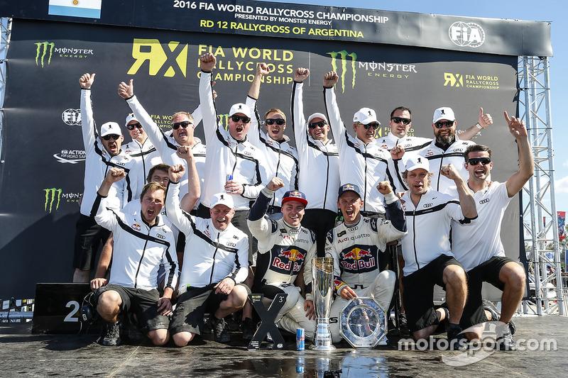 Чемпионы 2016 года, команда EKS RX: Томас Хейккинен и Маттиас Экстрём