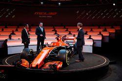 Yusuke Hasegawa, Senior Managing Officer, Honda, Eric Boullier, Racing Director, McLaren, on stage a