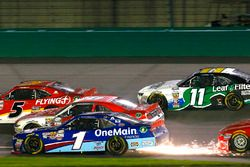 Elliott Sadler, JR Motorsports Chevrolet and Ryan Reed, Roush Fenway Racing Ford