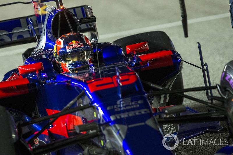 Entretanto, o russo entrou em má fase e foi substituído por Gasly no GP da Malásia
