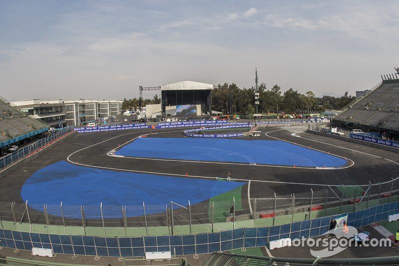 Aspectos del circuito en la zona del estadio