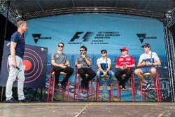 David Coulthard acoge un evento fan con Stoffel Vandoorne, McLaren, Fernando Alonso, McLaren, Felipe