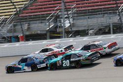 Джастин Алгайер, JR Motorsports Chevrolet и Денни Хэмлин, Joe Gibbs Racing Toyota