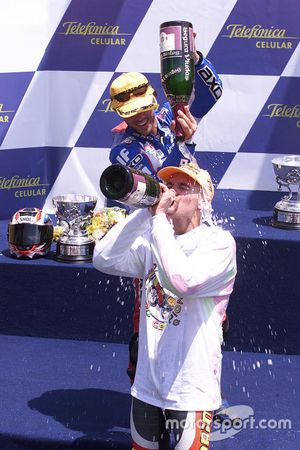 Podio: ganador de la carrera Valentino Rossi, Aprilia