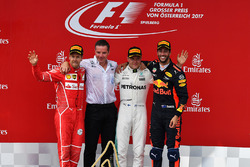 Sebastian Vettel, Ferrari, Valtteri Bottas, Mercedes AMG F1, Daniel Ricciardo, Red Bull Racing feste