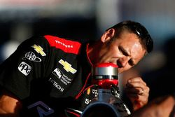 Helio Castroneves, Team Penske Chevrolet crew