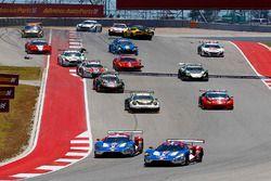 Partenza: #67 Chip Ganassi Racing Ford GT: Ryan Briscoe, Richard Westbrook al comando