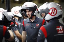 Equipo Haas F1 Team en pits