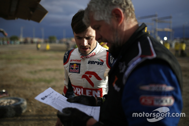 #322 X-Raid Team Mini: Xavier Panseri y #316 Orlen Team Mini: Jakub Przygonski