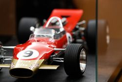 Amalgan-Modell: Lotus 49