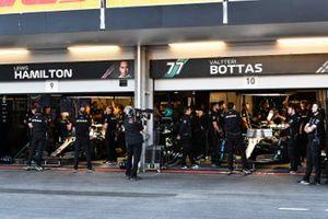 The Mercedes garage during Qualifying