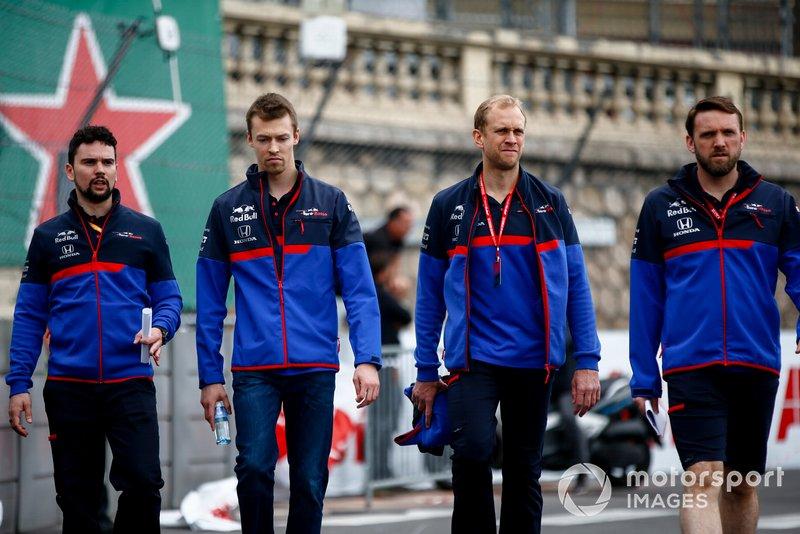 Daniil Kvyat, Toro Rosso walks the track