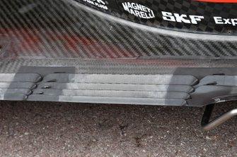 Ferrari SF90 floor detail