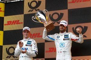 Podyum: Yarış galibi Philipp Eng, BMW Team RBM, 2. Joel Eriksson, BMW Team RBM