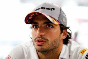 Carlos Sainz Jr., McLaren met de media