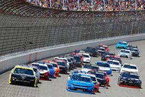 Paul Menard, Team Penske, Ford Mustang Menards/Richmond and John Hunter Nemechek, GMS Racing, Chevrolet Camaro Fire Alarm Services, INC