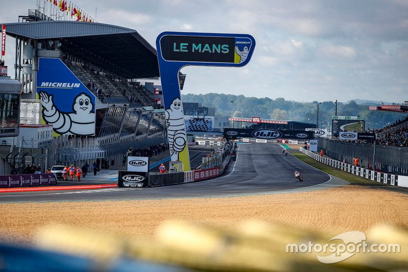 Atmosphere at Le Mans track