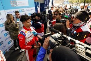 Polesitter Pascal Wehrlein, Mahindra Racing, is interviewed after qualifying, while Oliver Rowland, Nissan e.Dams, is interviewed by TV Presenter Nicki Shields