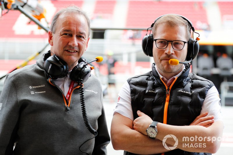 Jonathan Neale, Director General, McLaren, y Andreas Seidl, Director del Equipo, McLaren