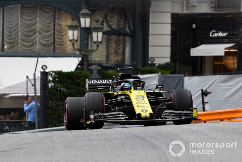 6. Даниэль Риккардо (Renault) – 1:11,218