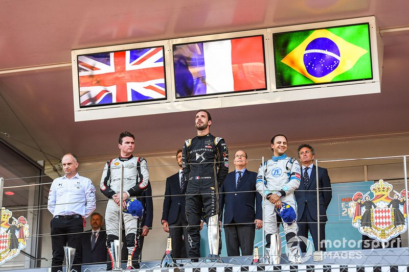 Race winner Jean-Eric Vergne, DS TECHEETAH on the podium with Oliver Rowland, Nissan e.Dams, 2nd position, Felipe Massa, Venturi Formula E, 3rd position